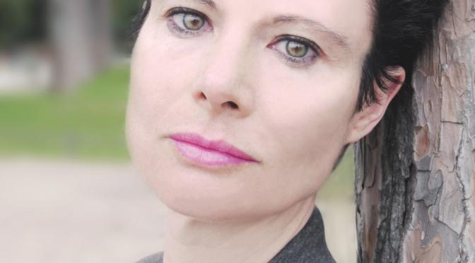 """27 Marzo 2015 – Specchia – Elisabetta Liguori ospite dalla """"Primavera Letteraria"""" con il suo nuovo romanzo """"Il secondo giorno – Kiss for my angel"""""""